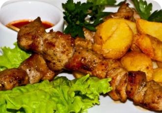 Шашлык из курицы  с картофелем по домашнему