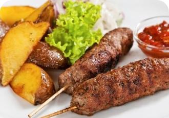 Люля-кебаб из свинины  с картофелем по домашнему